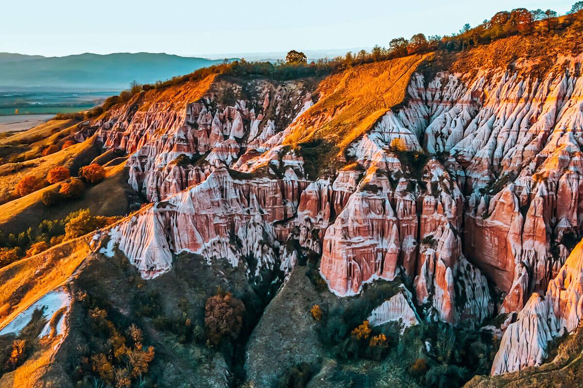Rapa Rosie - Destinatie turistica din Romania