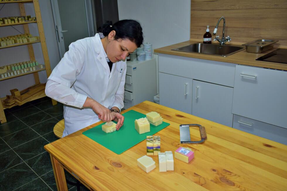 Sapun natural produs in Romania