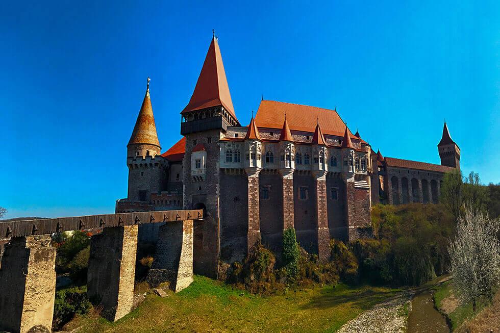 Castelul Corvinilor Huniazilor Hunedoara Discover Romania