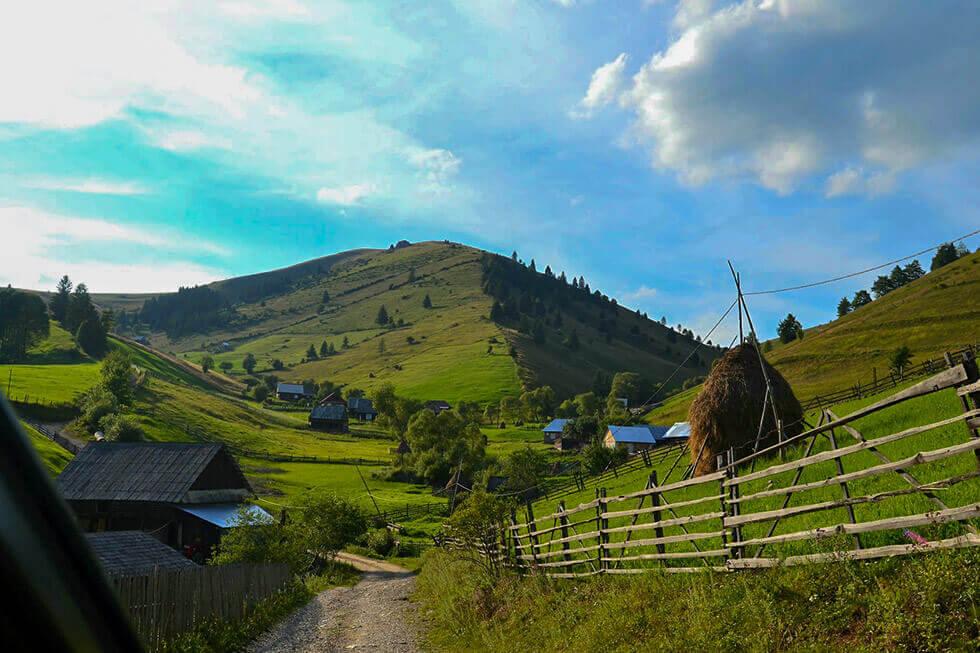 Catunul Barnadu Bicaz Chei Sat Vechi Traditional Romania