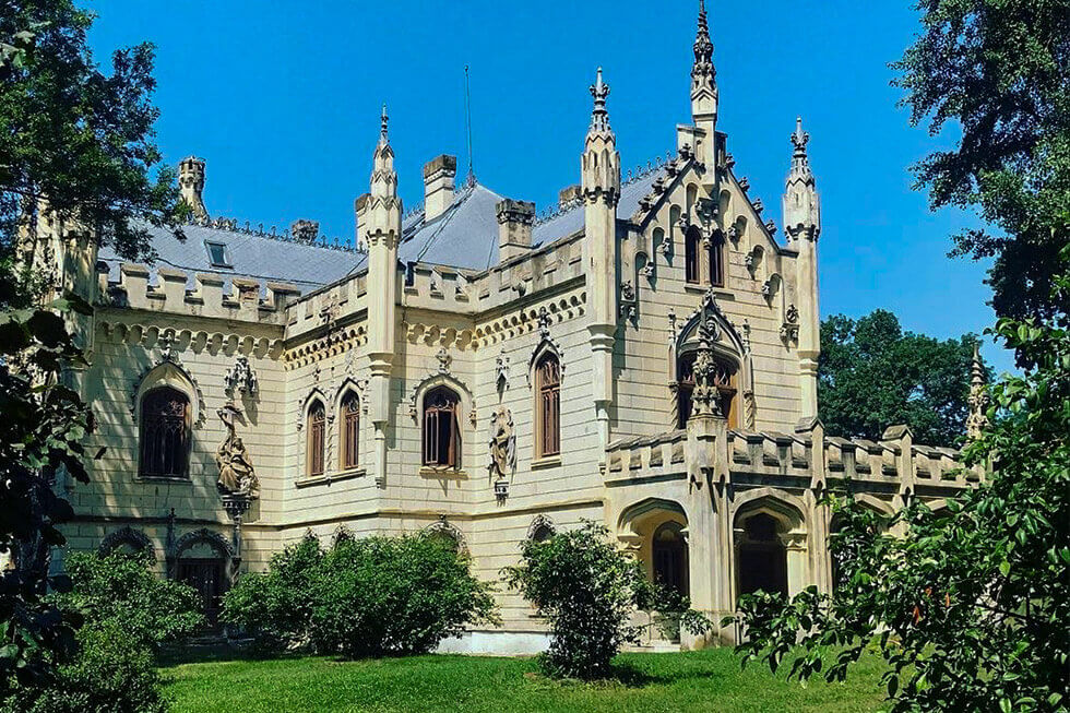 Castelul Sturdza Iasi Discover Romania