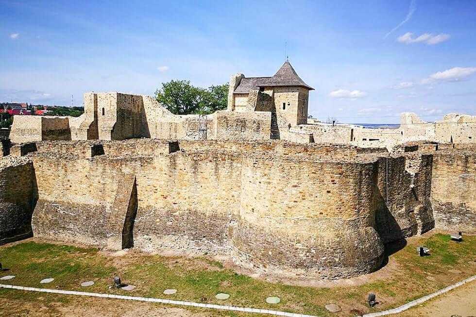 Cetatea Sucevei Cetate Medievala Destinatii Turistice Discover Romania